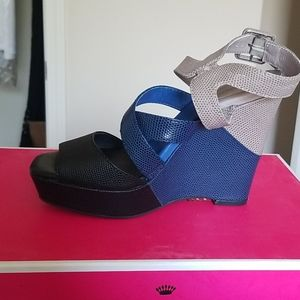 Juicy couture wedge shoe